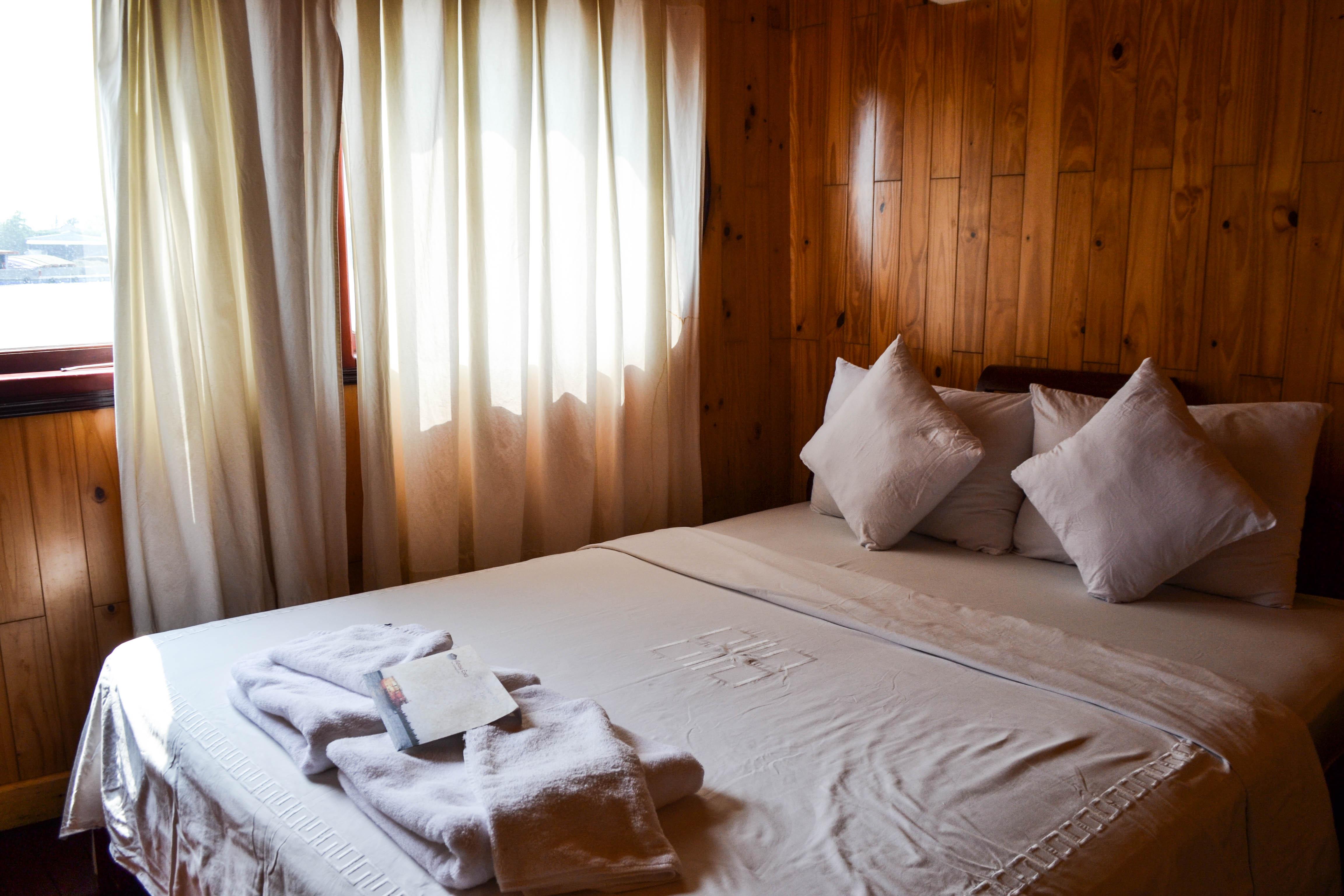 Mekong Eyes, Bedroom