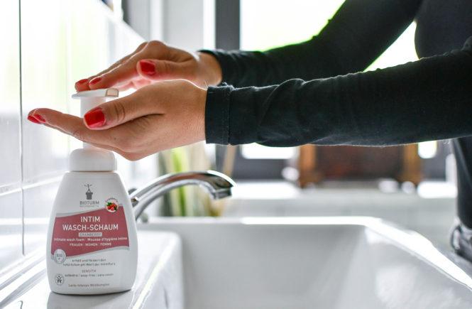Die richtige Intimpflege - 5 Tipps für die Frau