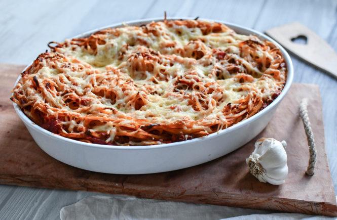 Spaghetti - Auflauf mit Hackfleischsoße