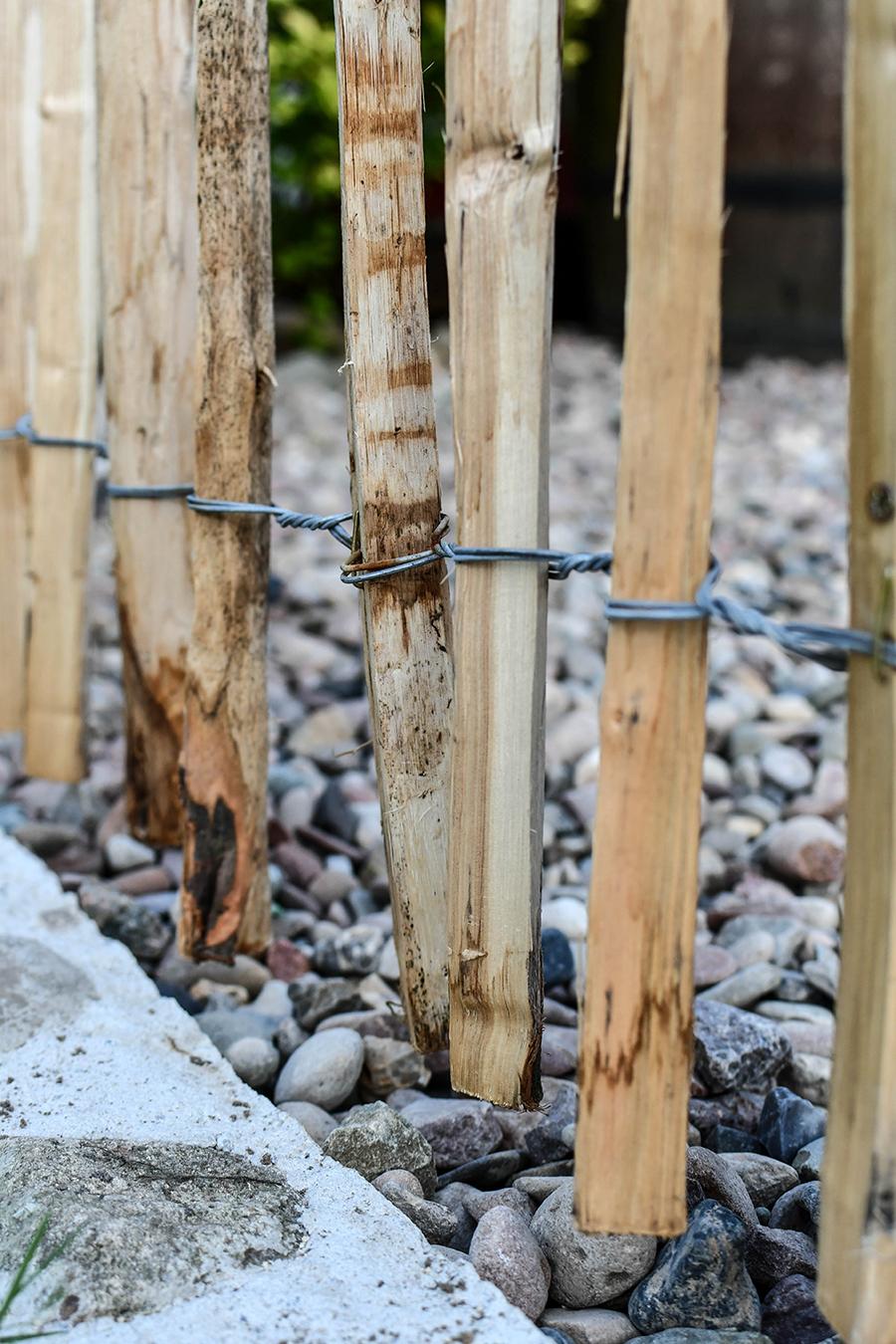 Natürliche Holzzäune für den Garten