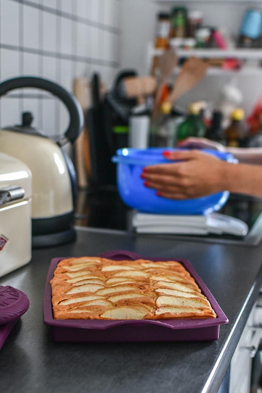 Schneller Blechkuchen mit Obst