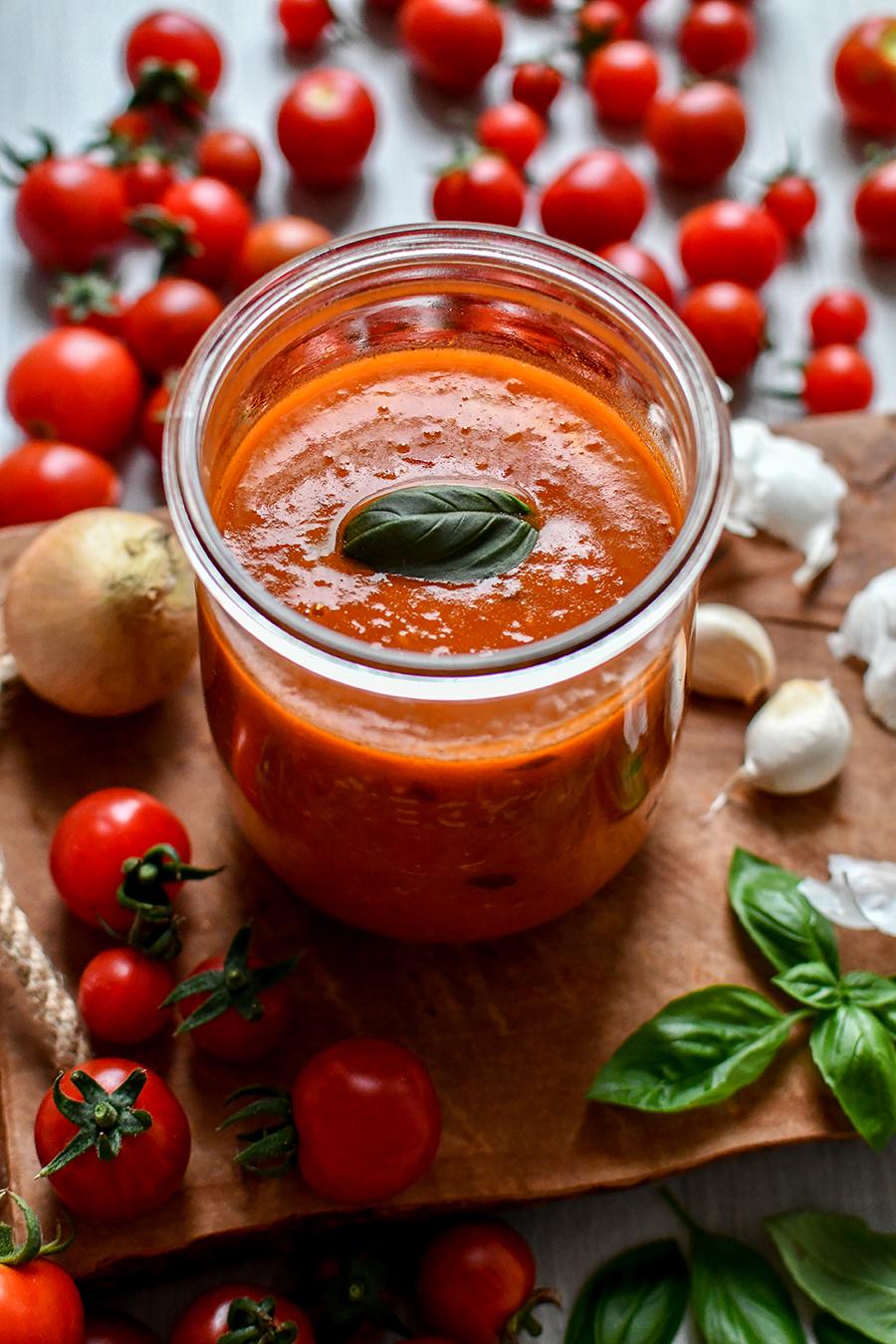 Grundrezept: Tomatensoße aus frischen Tomaten