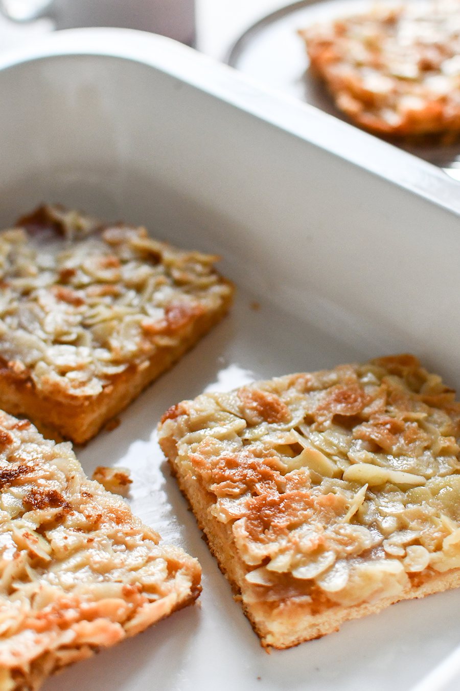 Schneller Blechkuchen mit Mandelblättchen